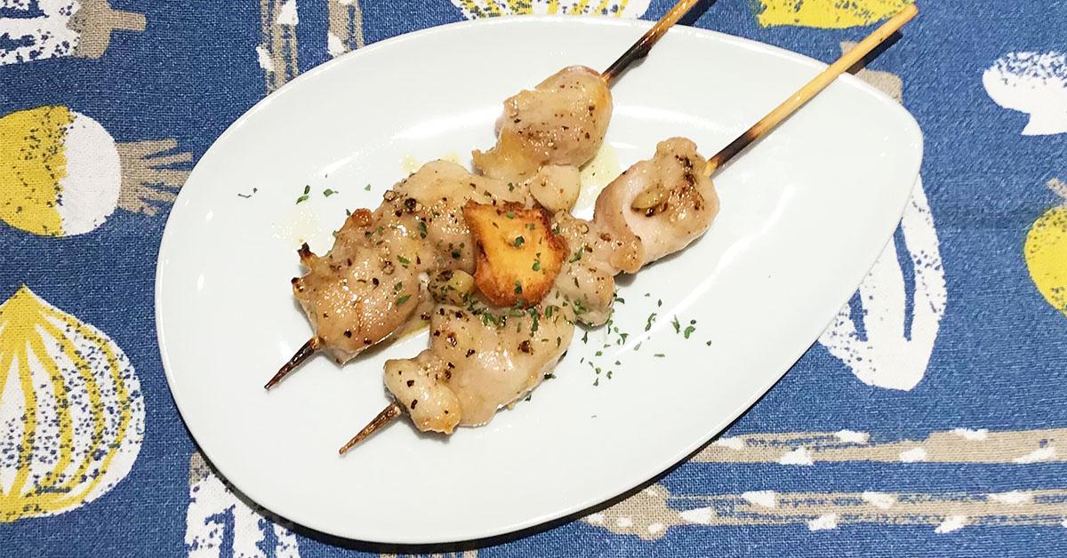 焼き鳥もも串のアレンジレシピ・もも串ガリバタペッパー